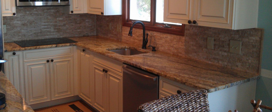 kitchen countertop and tile backsplash in Waycross, GA